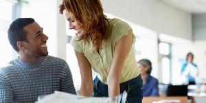 5 Coisas que você não deve fazer ao flertar no trabalho